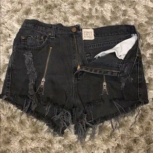 Black denim shorts with zipper detailing